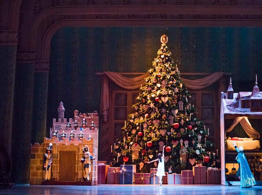 The Nutcracker (2016) - The Royal Opera House